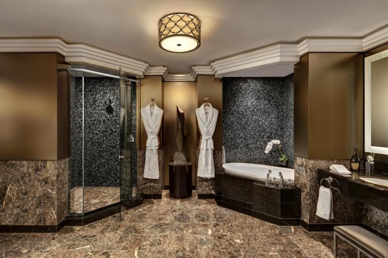Champagne Suite_Masterbathroom_38052_med